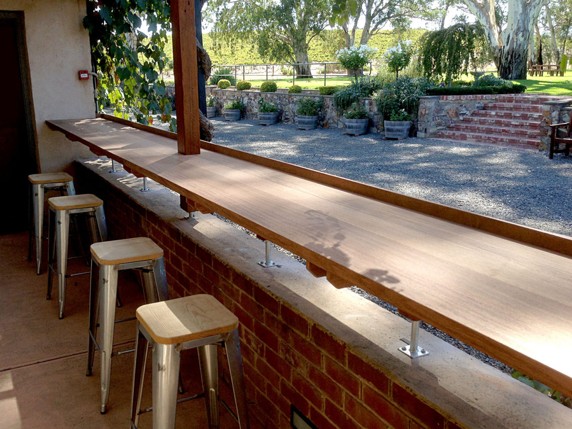 juncken-joinery-outside-bar-1500b