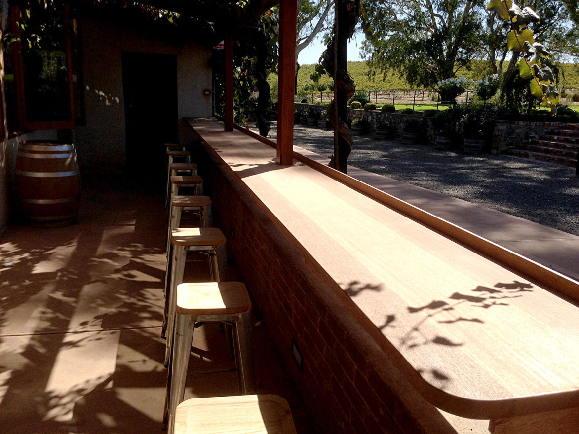 juncken-joinery-outside-bar-1500c